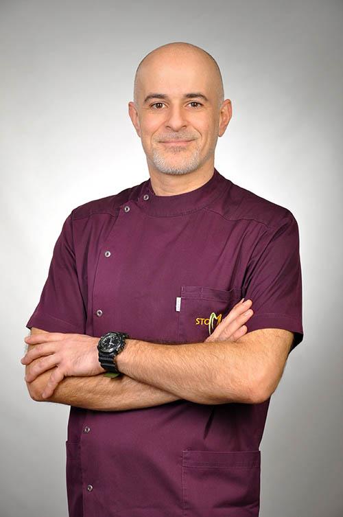 specjalista chirurgii stomatologicznej